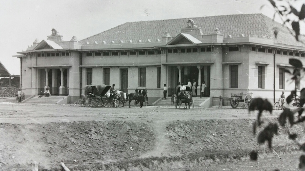 The first Chiang Mai railway station. Picture from Bangkok National Archives