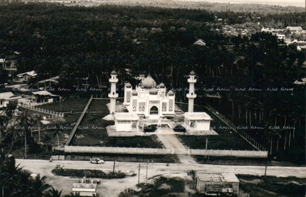 Aerial picture of the Central Mosque in Pattani